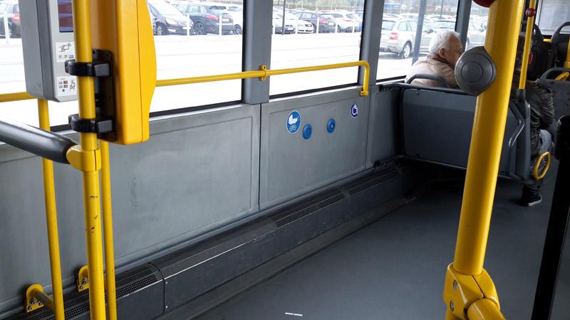 Салон низкопольного автобуса во Вроцлаве. Место для колясок. Фото: Александр Мироненко