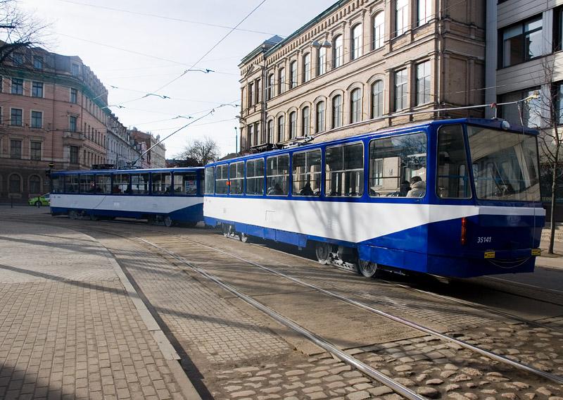 Высокопольный трамвай Татра в Риге. Фото: Александр Мироненко