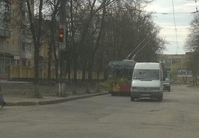 В Сумах объявили набор на курсы водителей троллейбуса