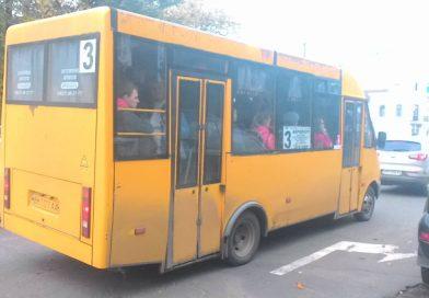 В Сумах автобусы №3 ездят с перегрузом даже в межпик — результаты проверки