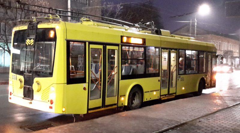 Троллейбус БКМ 321 в Сумах