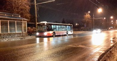 Пустой автобус на маршруте №65