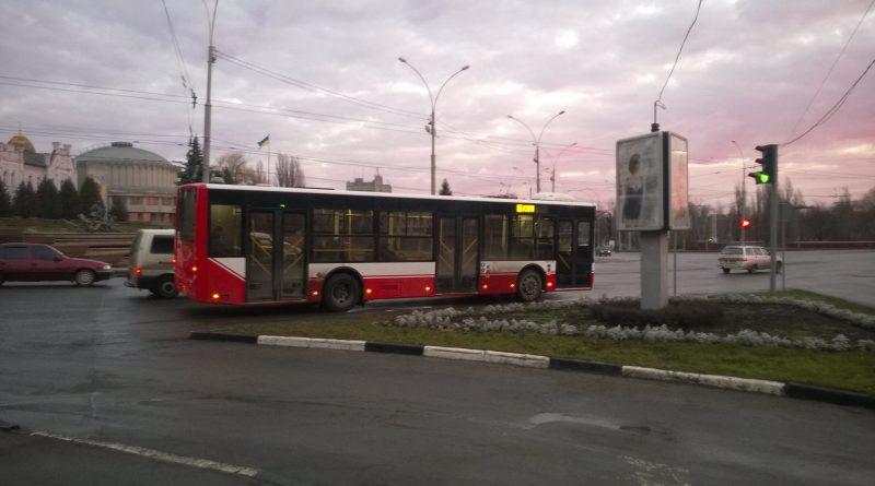 Автобус Богдан А701 на маршруте №65 в Сумах. Фото: Андрей Шаванов