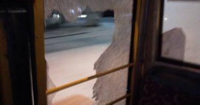 Разбитое стекло в Руте №2, фото: Даниил Дмитриевский