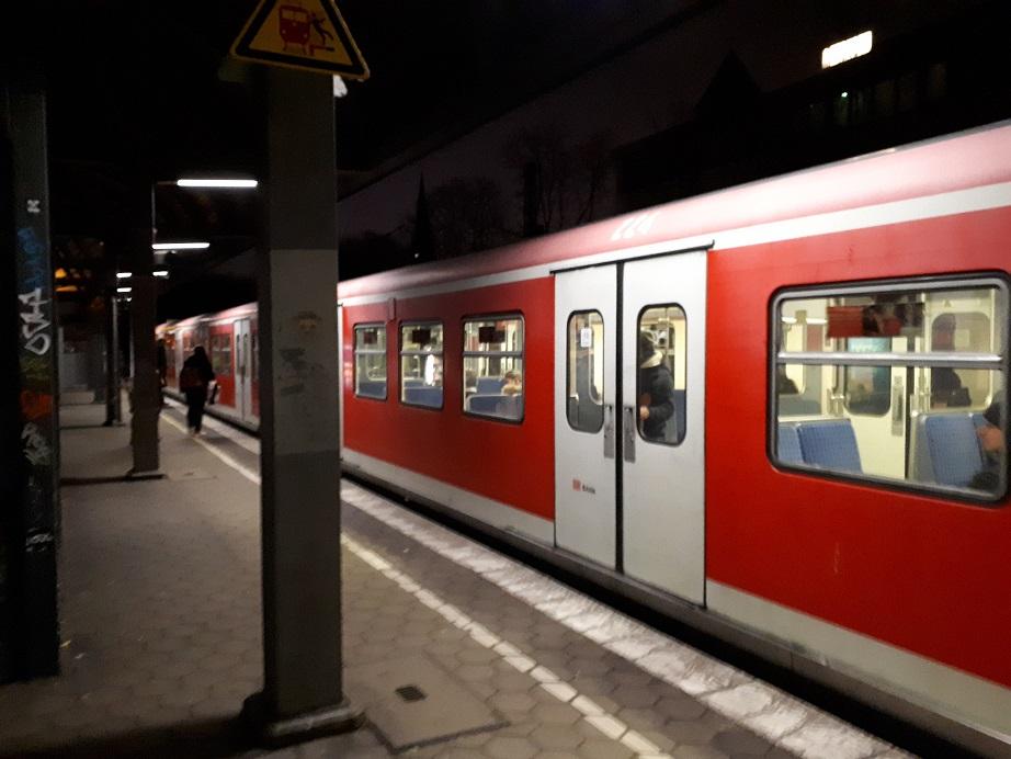 Электричка S-Bahn в Гамбурге