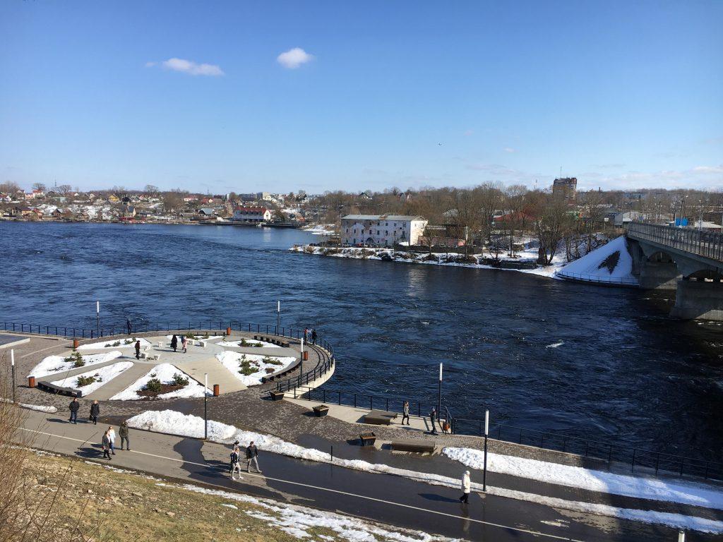 Нарвский речной променад