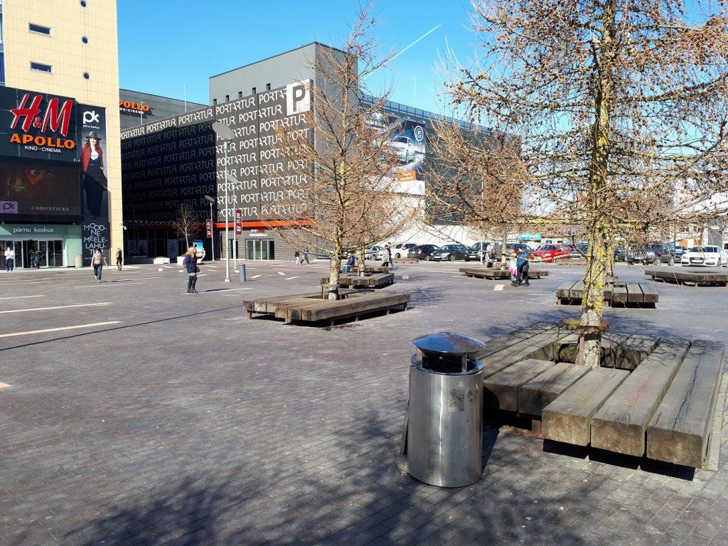 Пешеходная зона возле торгового центра Port Artur в Пярну