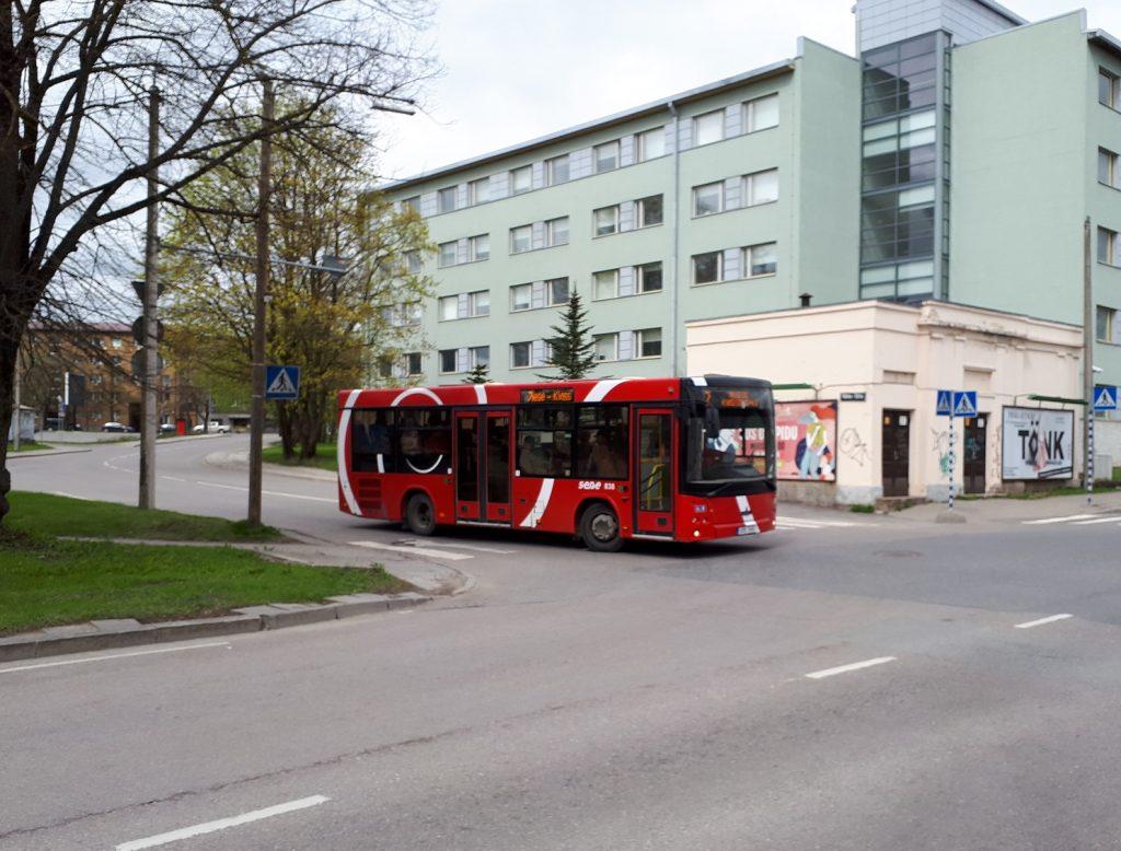 Белорусский автобус МАЗ-206 на одной из улиц Тарту