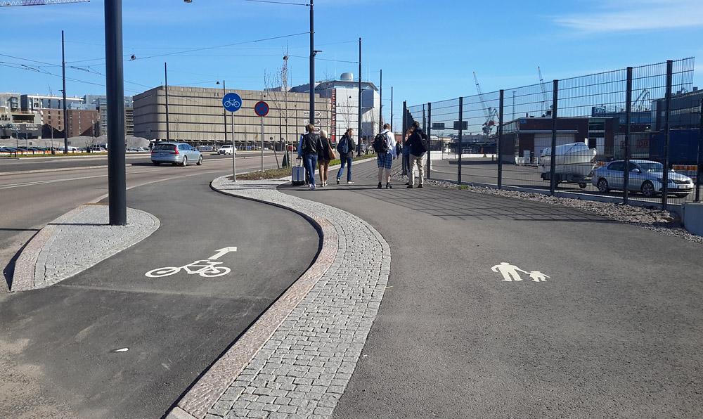 Велодорожки в Хельсинки делают с асфальтным покрытием